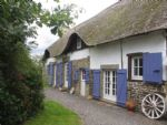 Vire. Thatched cottage, renovated, with separate Gite