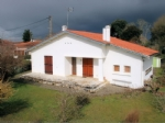 House, 2 bedrooms, garge, 702m² of land.