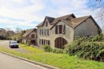 Surprising atypic old house  + annexes, on land of 1 hectare