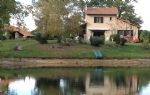 PRICE REDUCED - 3 BR house, attached garage, independent 80m² barn and lake