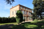 Come and see this beautiful property with 220 sqm of living space on a wooded park (2569sqm)