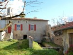 House with river frontage to refresh walking distance to commerce