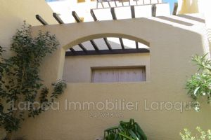 Studio for sale in Cerbere Located in little a residence on the beach