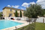 Detached House with Large Garden and Pool in Aubais