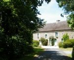 Idyllic country setting for the 17th century thatched longère