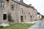 Exclusive - character longère close to dinan with possible gîtes