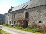 10mn dinan: charming stone property (house and 3 outbuildings) to renovate