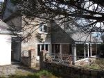 Charming family house on enclosed garden , very close to dinan
