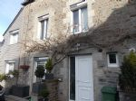 Lanvallay - stone house, facing south, 3 bedrooms with en suite.