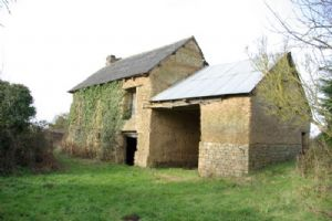 Broons: detached old country property to renovate
