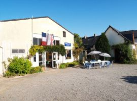 Activity holiday centre, bar restaurant close to the rance. 13 room accomodation