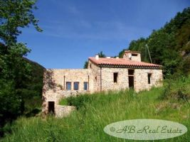 Very charming Catalan stone Mas, exceptional setting, views over the valleys and the