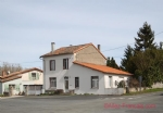 Sauzé-Vaussais (79) - Detached town house, large garden with small house to renovate