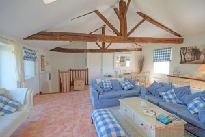 Les Forges (79) . Luxury 2 bedroom apartment in grounds of chateau adjacent to 27 hole golf course