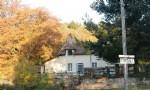Authentique maison de campagne sur 836 m2 de terrain, situee au calme pres du Mont Beuvray