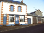 For sale in Auvergne house, garage and garden (418m2)