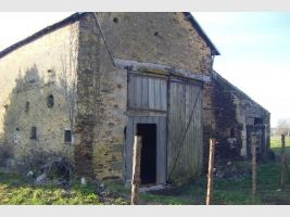 Barn for renovation, on plot of 6000m²