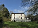 Reduced! Amazing price for an 18th century property! Great potential for a gîte business.