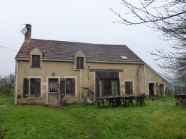 Traditional stone house with 4985m² of land