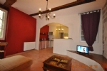 Second floor, light, apartment in historical central Pézenas, great rental!