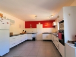 *Great price! Single story, 3 bedroom villa with pool in a sought after village near Pezenas.