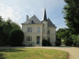Charming chateau dating from the end of the 19th Century!