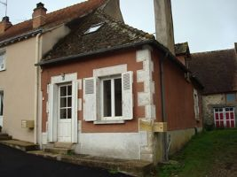 This little house is in the village of Lignac
