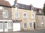 Well Maintained 3 bed Town House located in lively small town