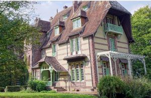 Stunning 19th Century Manor House in the Town of Bernay