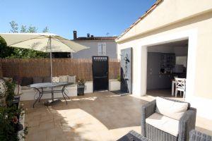 Beautiful 4 Bedroom, 4 Bathroom  Fully Renovated 3 Storey House in Medieval Village