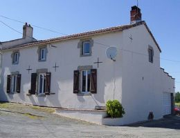Deux Sevres – Amazing Value – Renovated Home