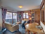 A modern and spacious one bedroom apartment close to the Panthiaz ski lift