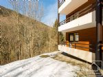 A dual aspect apartment with new kitchen and bathroom, close to the ski lifts and resort centre.