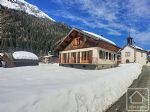 Chalet with south-west facing garden within walking distance from the Grand Montets.