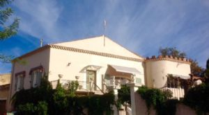 Nice renovated winegrower property with 145 m² of living space on 907 m² with pool.