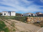 Flat building plot with 880 m² in a nice residential area.