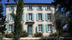 Magnificent renovated manoir with 16 bedrooms on a 1679 m² plot with pool. Excellent revenues !