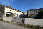 SAUJON - A traditional Charente style property with plenty of charm