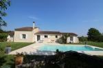 MOSNAC - Coup de coeur assuré pour cette maison contemporaine avec piscine sur terrain de 6500 m²