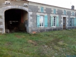 Old farmhouse in need of renovation in Montendre