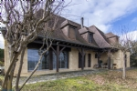 Sarlat. Property of 270 m2 with panoramic views and about 3hect of land.