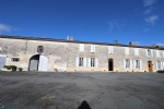 Prestigious Charente style property on a 6200 m² site.