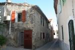 In Nîmes-Ouest, 60 m² village house