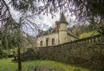 Near Sarlat: magnificent mansion to retaurer. 150 m2 living space with park.