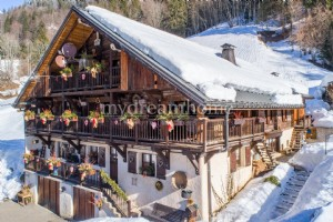 Luxury renovated farm house for sale in the Aravis (73590) in Savoie