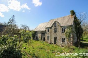 Norman style stone house to restore, 7389 m² of land