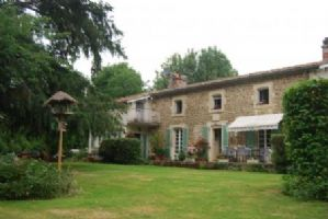 Gite Complex for sale 11 bedrooms 9865m2 land ,South facing ,Pool,Over 1 acre land