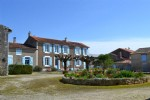 3 bed house with garden and outbuildings, Néré