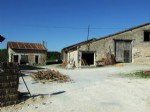 Collection buildings to renovate completely. Near Aubeterre