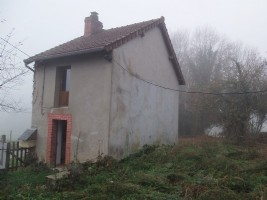 Small house to renovate ideal for a holiday home with one room on the ground floor